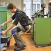 «Бесстульный стул» поможет дояркам и другим представителям сидячих профессий