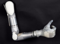 DARPA разработало бионическую руку следующего поколения