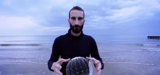 Итальянец проживёт год на айсберге