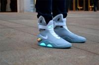 Обувь с самозавязывающимися шнурками соберет энергию при ходьбе
