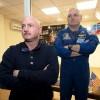 Брат-близнец астронавта Келли, отправившегося на МКС на год, разыграл руководство NASA