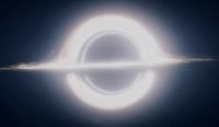 В физике гравитационное красное смещение является проявлением эффекта изменения частоты испущенного некоторым источником света (вообще говоря, любых электромагнитных волн) по мере удаления от массивных объектов, таких как звёзды и чёрные дыры; оно наблюдается как сдвиг спектральных линий близких к м