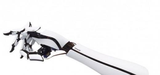 Бионическая рука стоимостью $300 использует смартфон как процессор для обработки нервных сигналов