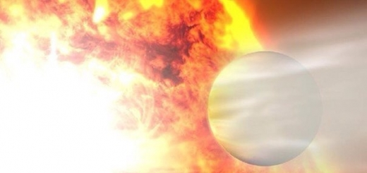 Астрономы увидели блик от экзопланеты с рекордно вытянутой орбитой. Если бы не масса в два Юпитера, то, пожалуй, ее можно было бы назвать кометой.