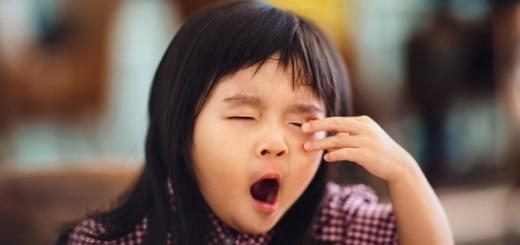 Ученые: хроническое недосыпание вызвано ранним подъемом в школу
