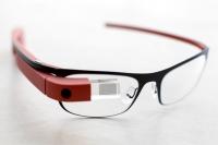 Google ведет разработку электронных очков Glass нового поколения