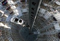 Volkswagen необычный многоуровневый паркинг для автомобилей
