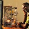 Африканский изобретатель создал 3D-принтер из мусора